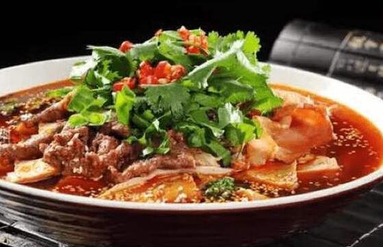 冒菜在川渝地区是一道特色级别的小吃